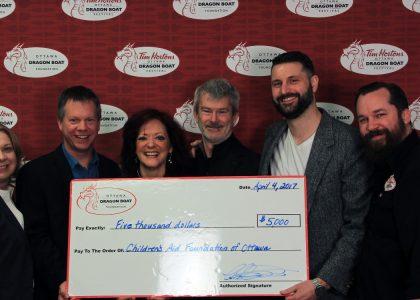 THE OTTAWA DRAGON BOAT FOUNDATION MAKES $5,000 DONATION TO THE CHILDREN'S AID FOUNDATION OF OTTAWA