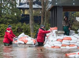 THE OTTAWA DRAGON BOAT FOUNDATION CONTRIBUTES $1000 TO LOCAL VICTIMS OF FLOODING